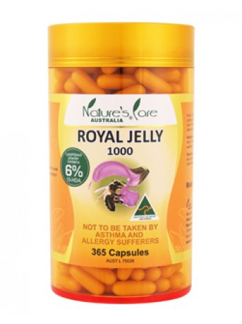 Nature bee royal jelly