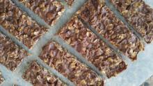 Chocolate Granola Bars Line