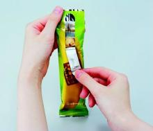 Easy open chocolate bar packaging pouch