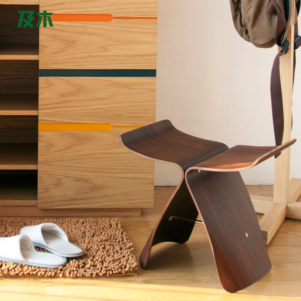 Modern furniture and wooden stool changing his shoes simple and stylish European butterfly chair woo