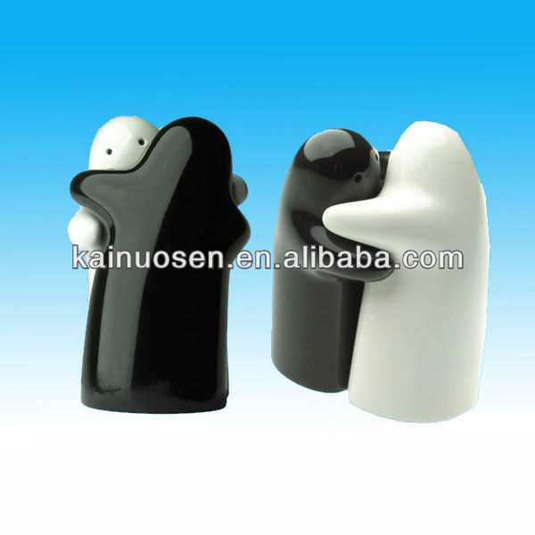 Ceramic hugging salt and pepper shaker from china fujian - Hugging salt and pepper shakers ...