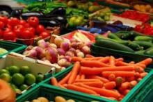All kind of Fresh vegetables Available...