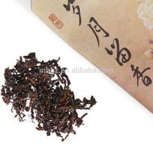 Dark amber colored Yunnan puerh teas