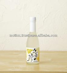 Bottled Japanese wholesale wine made of fruit such as citrus, strawberry
