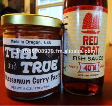 Glass jar tomato  ketchup  /  plastic   bottle  tomato paste / tomato sauce in  plastic e  bottle