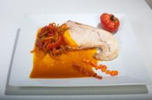 SWORDFISH WITH CARROTS AND PEPPERS