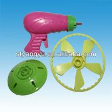 Shantou Plastic Peg Top gun with candy