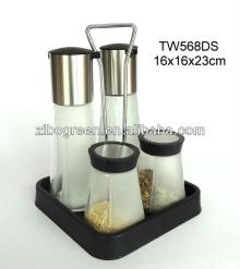 TW568DS 4pcs glass oil vinegar salt and pepper set with plastic stand