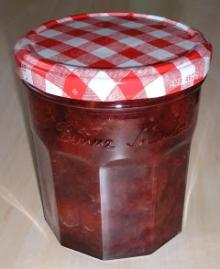 canned strawberry in light syrup 425ml